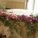 Sweetheart table perla farms wedding flowers and decorations nationwide delivery.