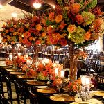 orangeroses,green hydrangeas,yellow roses centerpieces for your wedding. Di it yourself flowers